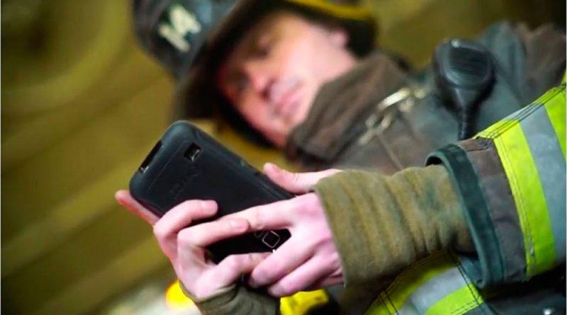 Los mejores smartphones para personal de rescate y emergencias